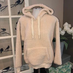American Eagle fleece pullover